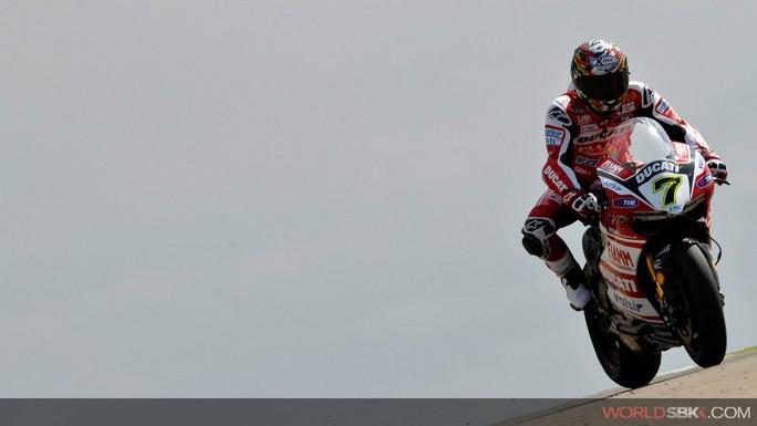 Superbike: Davies davanti nell'ultima sessione di libere