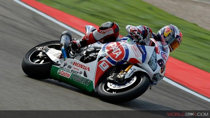 Superbike: Jonathan Rea si prende Gara 2 e primato iridato
