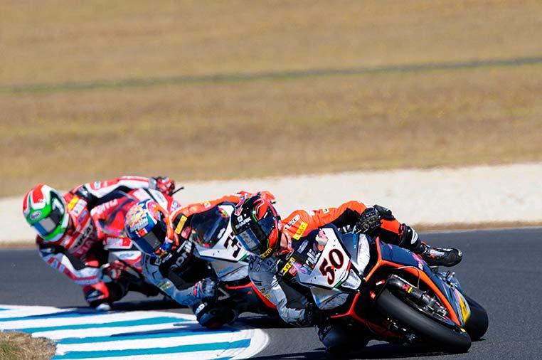 Superbike: Prima e seconda fila per Sylvain Guintoli e Marco Melandri