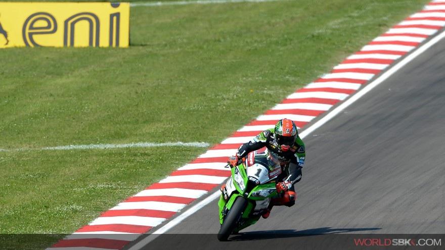 Superbike: Ancora doppietta per la Kawasaki in Gara 2