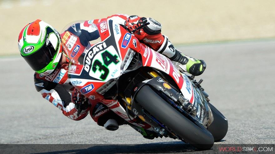 Superbike: E' di Davide Giugliano il miglior tempo delle FP2 di Donington