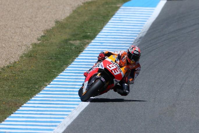 MotoGP Jerez, Prove Libere 4: Marquez davanti alle Yamaha di Lorenzo e Rossi