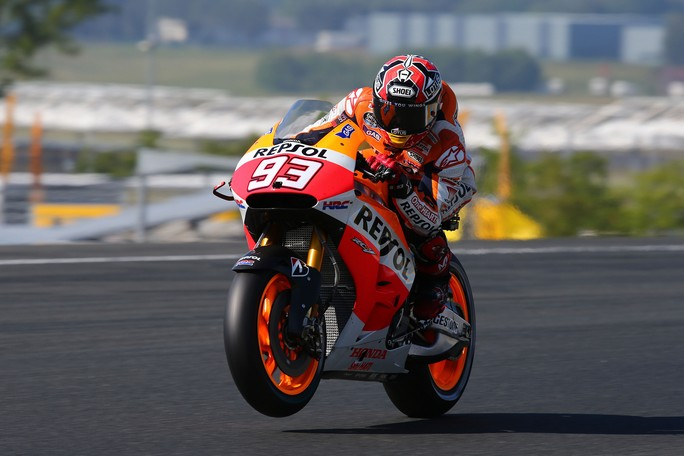 MotoGP Le Mans: Un Marquez da record centra la quinta vittoria consecutiva, Rossi sul podio