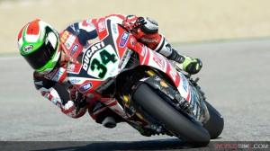 Superbike: Davide Giugliano domina anche le prove libere tre