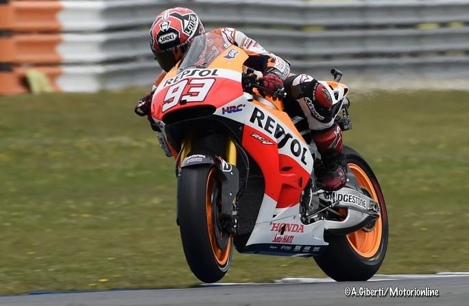 MotoGP Assen: Neanche il meteo ferma Marquez, ottavo centro consecutivo! Grande podio per Dovizioso e la Ducati