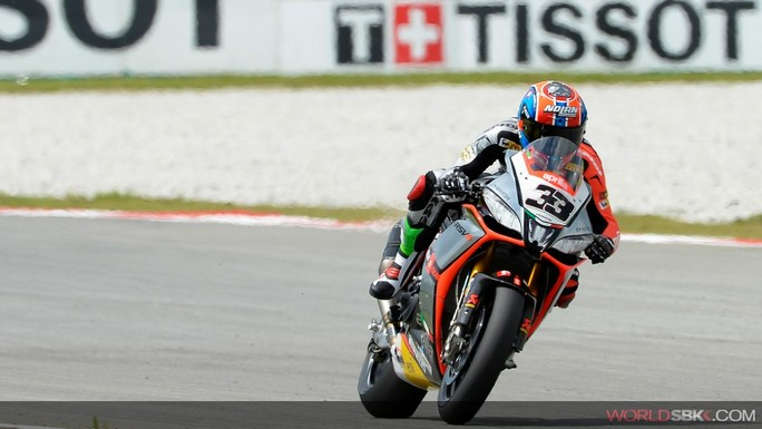 Superbike: Sylvain Guintoli è il primo poleman di Sepang
