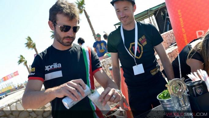 Superbike: Il lungo mare di Portimao fa da cornice all'incontro con i fans.