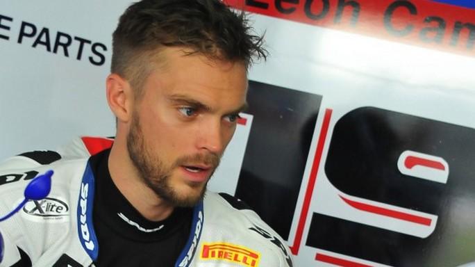 Superbike: Leon Camier sostituirà Claudio Corti a Laguna Seca