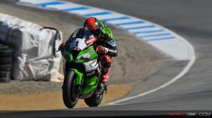Superbike: Tom Sykes vince una Gara 2 tormentata dalle cadute