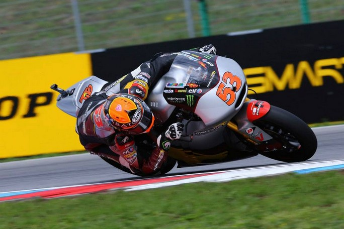 Moto2 Silverstone, Prove Libere 2: Rabat al Top, Corsi è secondo