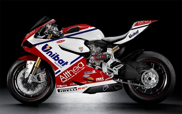 Superbike: Svelato il Team Althea Racing Ducati 2015