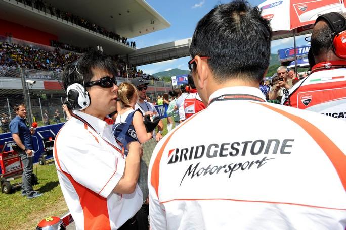 MotoGP Phillip Island: Bridgestone spiega i problemi all'anteriore asimmetrico