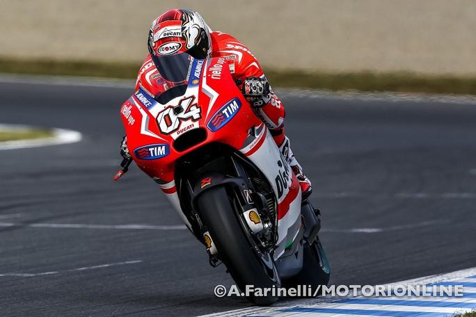 MotoGP Motegi: Andrea Dovizioso porta in pole la Ducati, Rossi è secondo