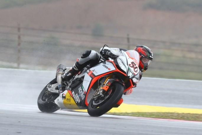 Superbike: Sylvain Guintoli vince una Gara 1 sul bagnato