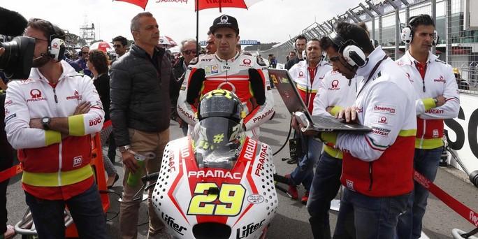 """MotoGP Phillip Island: Andrea Iannone """"Ho il morale basso, spero che Pedrosa accetti le mie scuse"""""""
