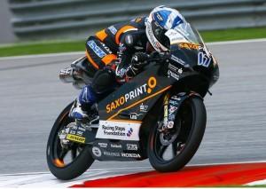Moto3 Sepang, Warm Up: Le Honda di McPhee e Vazquez davanti alla Mahindra di Oliveira