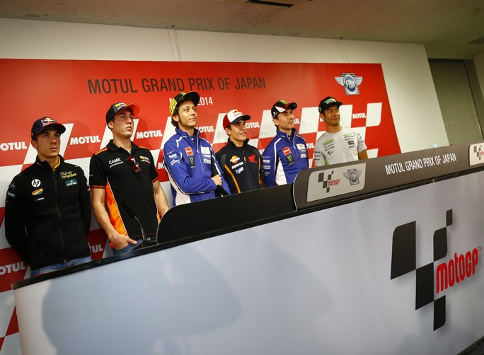 MotoGP: Valentino Rossi a Motegi con una frattura al dito indice della mano destra proverà a frenare come Stoner