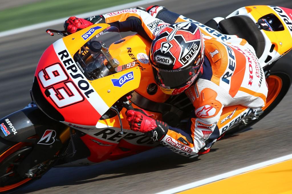 MotoGP Valencia, Prove Libere 1: Marquez beffa Lorenzo, Rossi è 5°