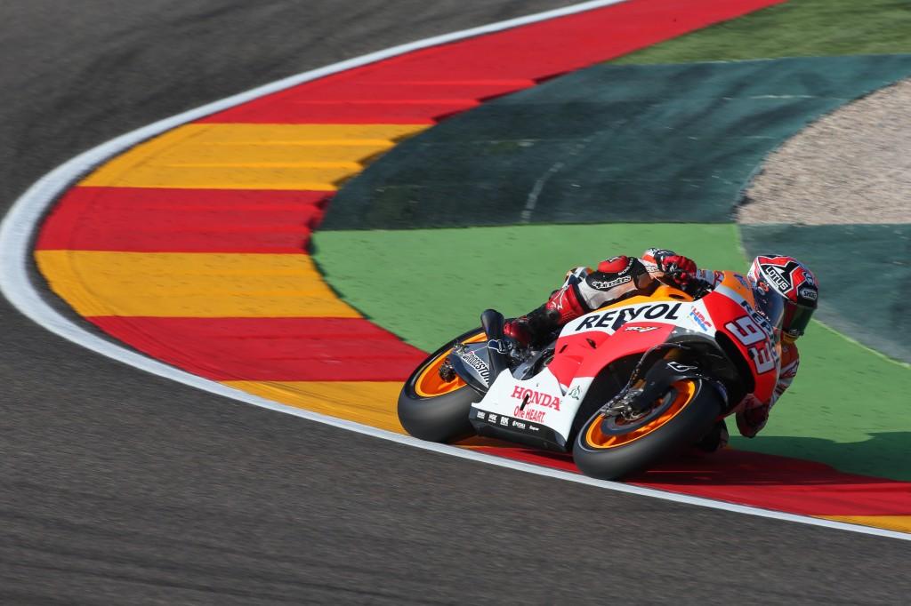 MotoGP Valencia, Prove Libere 2: Marquez ancora in vetta, Dovizioso è 2°, Rossi 10°