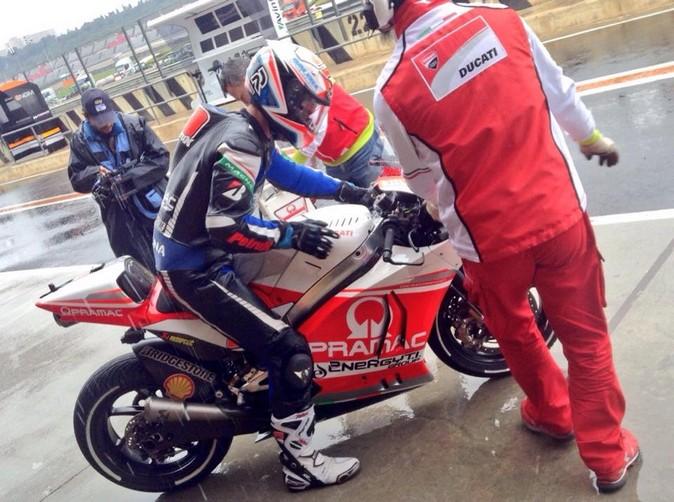 MotoGP, Test Valencia Day 2: Sul bagnato il più veloce è Danilo Petrucci