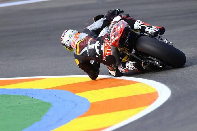 Moto2 Valencia: Rabat centra l'undicesima pole della stagione, ottimo terzo Franco Morbidelli