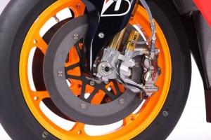 MotoGP: Brembo, già dal 2015 pinze freno in alluminio