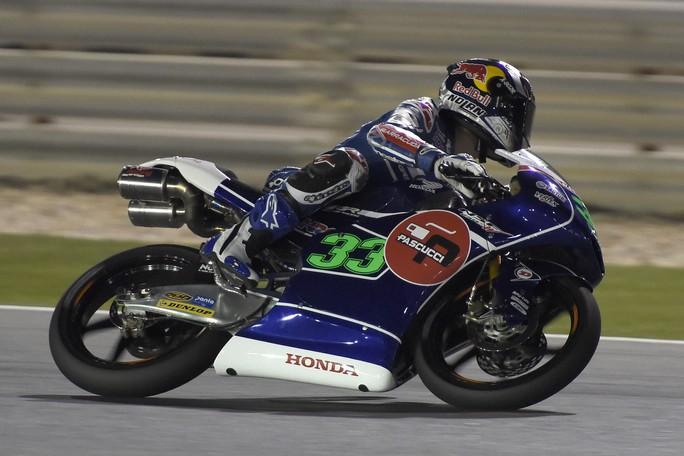 Moto3 Qatar: Spettacolo in pista, Masbou beffa Bastianini, Antonelli chiude ottavo