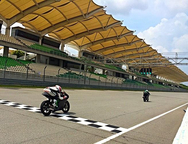 Moto3: Il SIC Racing Team in pista con Zulfahmi Khairuddin e Jakub Kornfeil