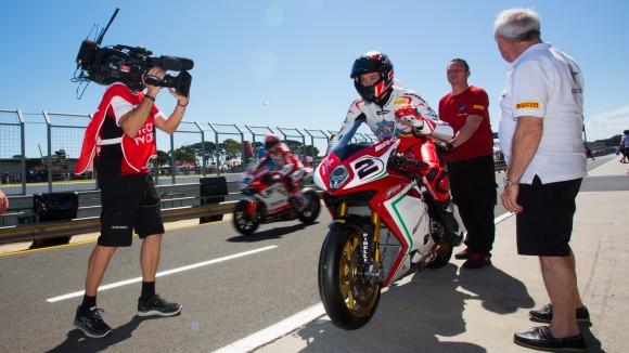 Superbike: Leon Camier soddisfatto dei miglioramenti ad Assen