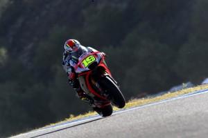 MotoGP Jerez: Alvaro Bautista porta l'Aprilia in 18° posizione, Marco Melandri migliora in FP2