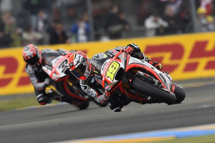 MotoGP Le Mans, Qualifiche: Aprilia in difficoltà a causa dello scarso grip, Bautista 23° e Melandri 25°