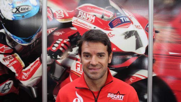 Superbike: Carlos Checa torna in sella alla Panigale