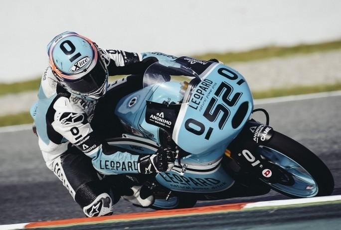 Moto3 Barcellona: Doppia beffa per gli italiani, Kent vince davanti a Bastianini, Antonelli perde il podio da Vazquez