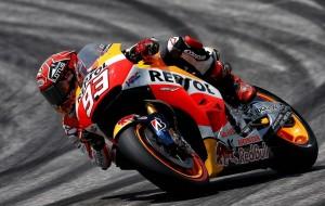MotoGP Barcellona, Prove Libere 1: La Honda comanda con Marquez e Pedrosa, Rossi è 8°