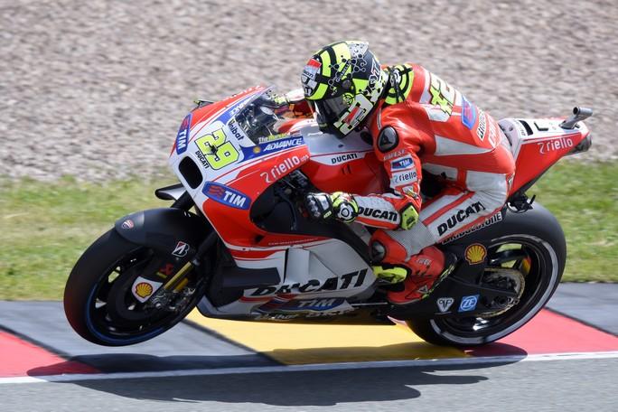 """MotoGP Sachsenring: Andrea Iannone, """"Resto convinto che la GP15 sia una moto competitiva"""""""