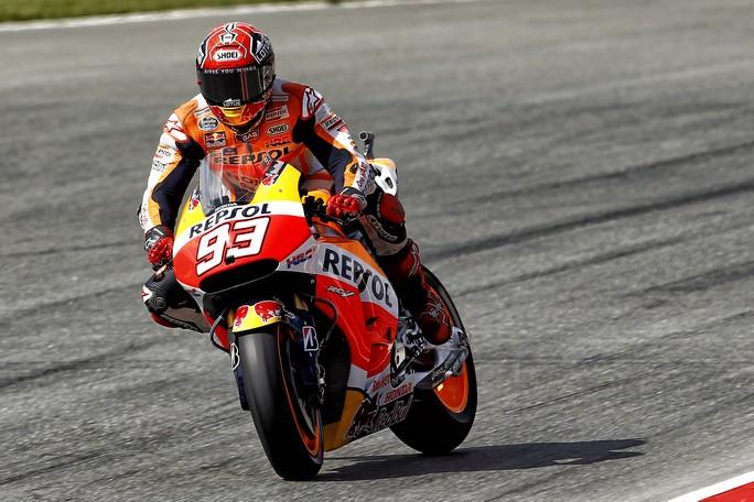 MotoGP Sachsenring, Prove Libere 3: Marquez si conferma al comando, Rossi 3° davanti a Dovizioso