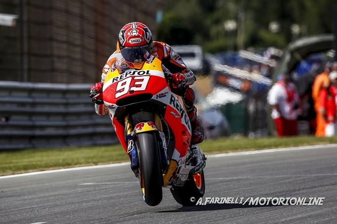 MotoGP Sachsenring: Marquez torna al successo dominando, Rossi allunga in campionato su Lorenzo