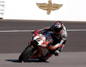 MotoGP Indianapolis: sessioni difficili per Bautista, Bradl alla ricerca della confidenza