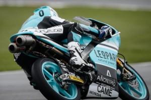 Moto3 Silverstone: Danny Kent vince a domicilio davanti a Kornfeil ed Antonelli