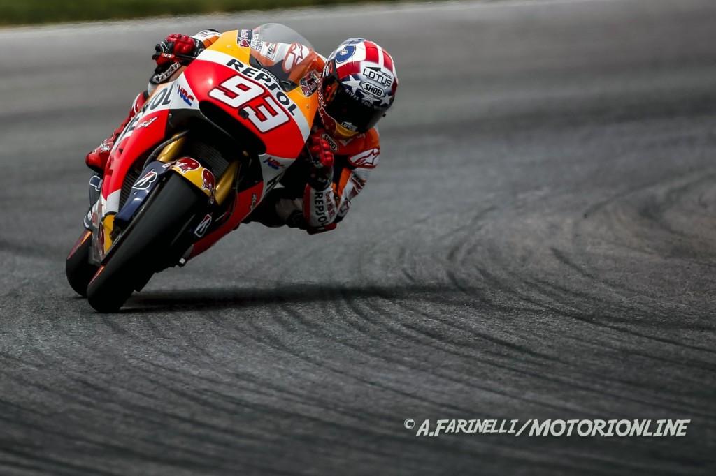 MotoGP Indianapolis Warm Up: Marquez è il più veloce, ma cade così come Lorenzo