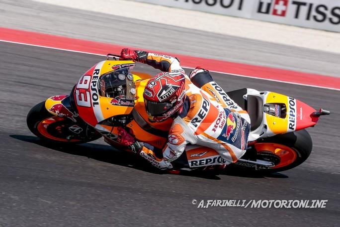 MotoGP Misano: Meteo protagonista, vince Marquez, cade Lorenzo, Rossi 5°