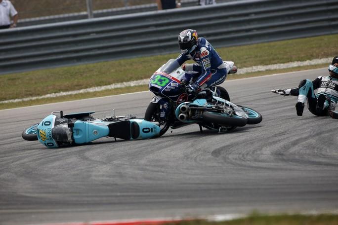 Moto3: Bastianini 8°, ancora rallentato dalle cadute altrui
