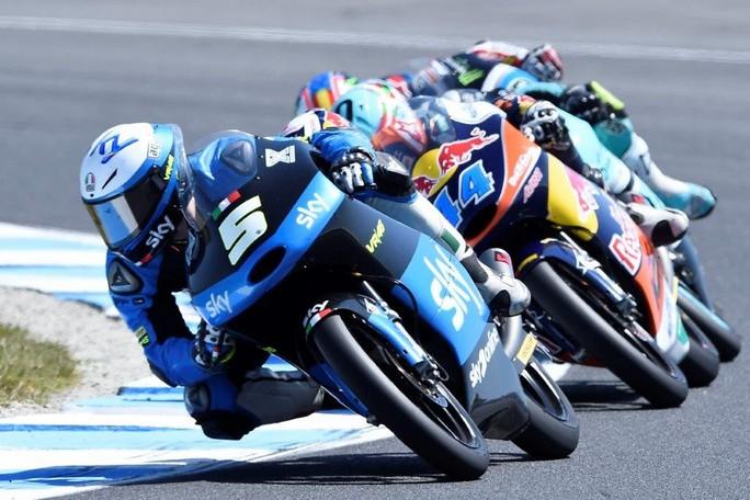 Moto3: Fenati fa sperare nella vittoria ma chiude 6°, Migno out