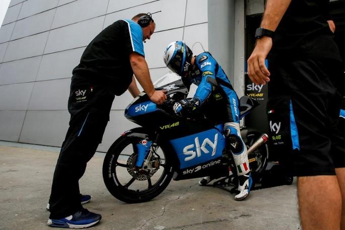 Moto3: Fenati sale al 5° posto, Migno scende al 27°