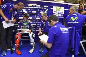 MotoGP: Lussazione alla spalla per Jorge Lorenzo