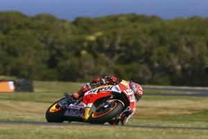 MotoGP Phillip Island: Strepitosa pole di Marquez, Iannone 2° davanti a Lorenzo, Rossi è 7°