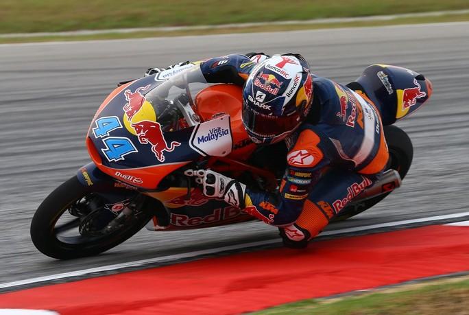 Moto3 Sepang: Successo di Oliveira, Kent è 7°, il mondiale si assegnerà a Valencia