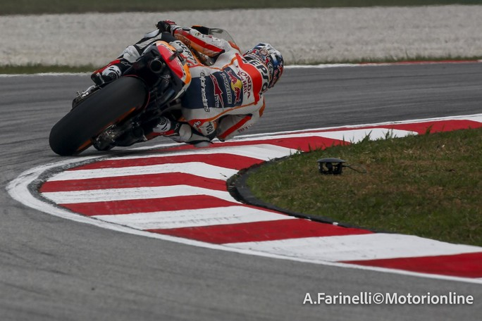 MotoGP Sepang: Pedrosa pole con record, Rossi batte Lorenzo