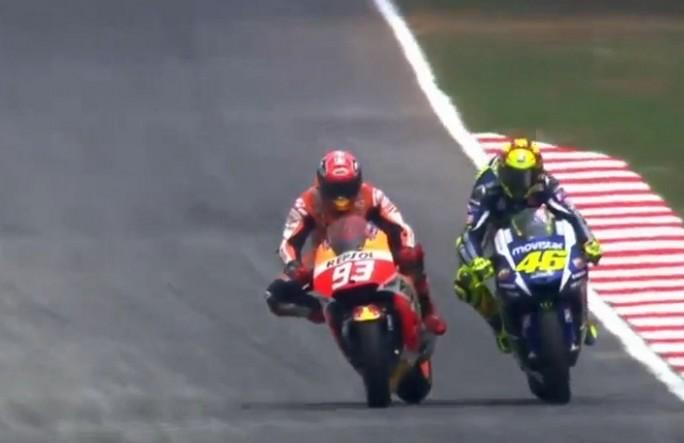 MotoGP: I 10 episodi successi tra Rossi e Marquez a Sepang – Video