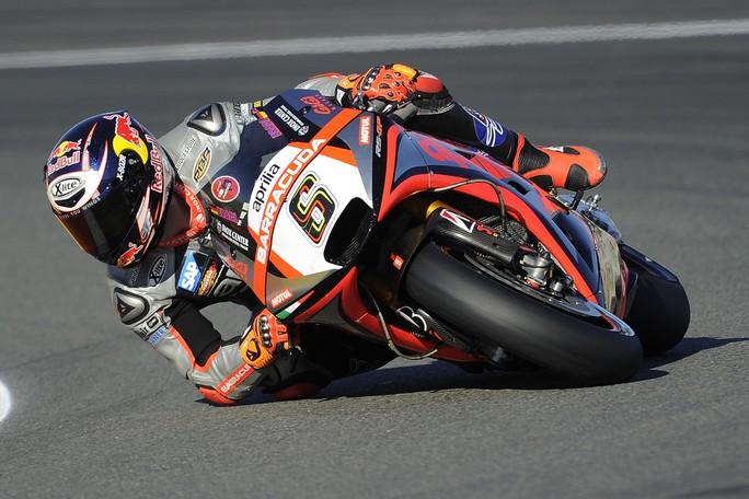 MotoGP: Bradl a 3 decimi dalla QP2, Bautista 19°